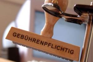 Gebührenpflichtig, Stempel - 19.02.2003 [ (c) www.BilderBox.com, Erwin Wodicka; A-4062 Breitbrunn, Tel: +43 676 5103 678; Verwendung nur gegen HONORAR, BELEG, URHEBERVERMERK und den AGBs auf www.bilderbox.com gestattet. Bank DEU: Sparkasse Passau, KTO. 240 812 081, BLZ 740 50000. + & * and ] Finanzamt Finanzen Steuer Steuern Amt Steuererklärung Steuererklärungen Gebühren Gebuehren Gebührenpflichtigen Gebuehrenpflichtigen Gebührenpflichtig Nebenkosten Hauskauf Hausbau Wohnungskauf Eigentumswohnungen Wohnen Wohnungen Mietverträgen Mieten Steuererklaerung Steuererklaerungen Steuereinnahmen Steuerabgaben Steuerzahler Steuerlast Steuerquote Steuerprüfer Steuerprüfungen Steuerpruefungen Wirtschaftstreuhaendern, Steuern sparen Steuerersparnissen Steuersparen sparen Einkommensteuern Lohnsteuern Steuerberatungen Erbschaftssteuern Finanzamt Finanzämtern Finanzaemtern Körperschaftssteuern Steuereinkünften Koerperschaftssteuern Einkommensteuererklaerungen Finanzen Gewinn Leibrente Formularen Steuerformularen Steuerlast Steuergerechtigkeit Staat Abgaben Einkuenften Einnahmen Einkünften Lohnsteuererklärungen Einkommsteuererklärungen Steuerbehörden Steuerbehoerden Einkommensteuer Lohnsteuer Benzinsteuer Dieselsteuer Steuerbehörden Steueramt |