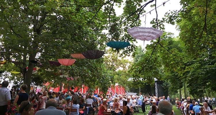 "Festival ""Kultur im Zelt"" im Bürgerpark Braunschweig"