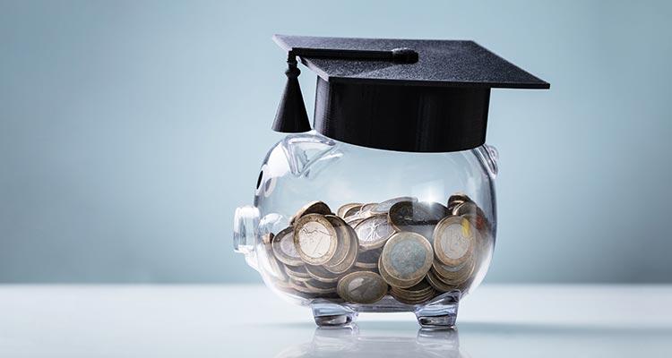 Headline: Sparen für Kinder: So früh wie möglich anfangen